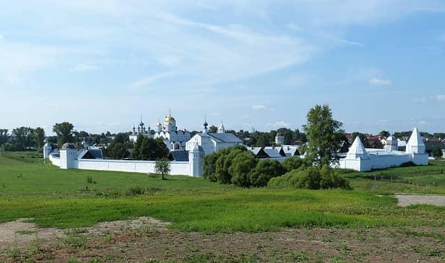 Santo Convento Pokrovsky en Suzdal