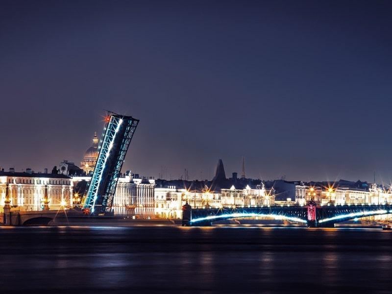 Conocer la noche de San Petersburgo
