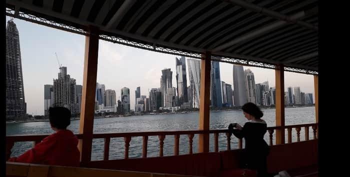 Una paseo en barco por Doha Qatar