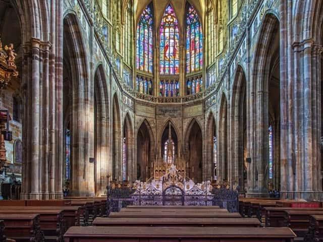 Visita al interior del la Catedral de San Vito en Praga
