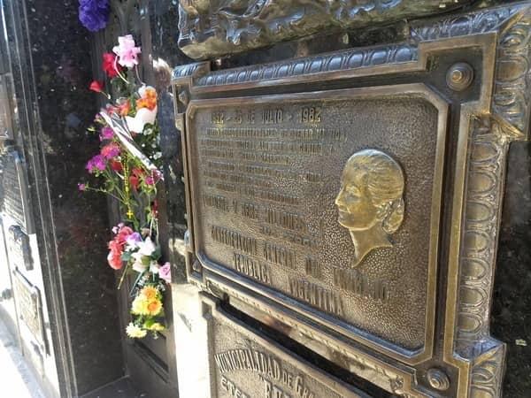 Excursión a la tumba de Eva Perón